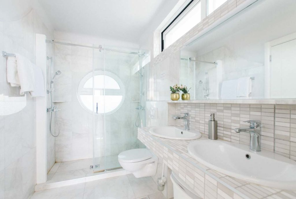 Apartment-2-bathroom-villa-santa-vita