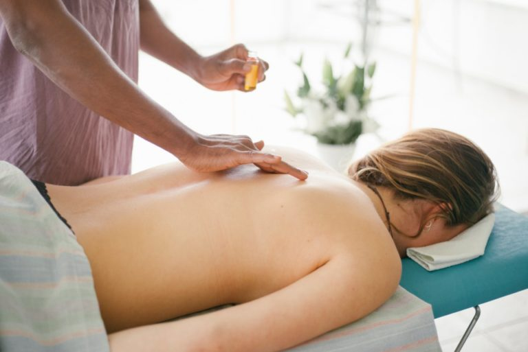relax-massage-detox