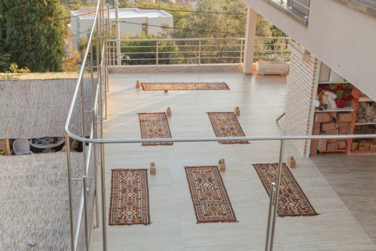 yoga-terrace-yoga-retreat-mahakala-center.
