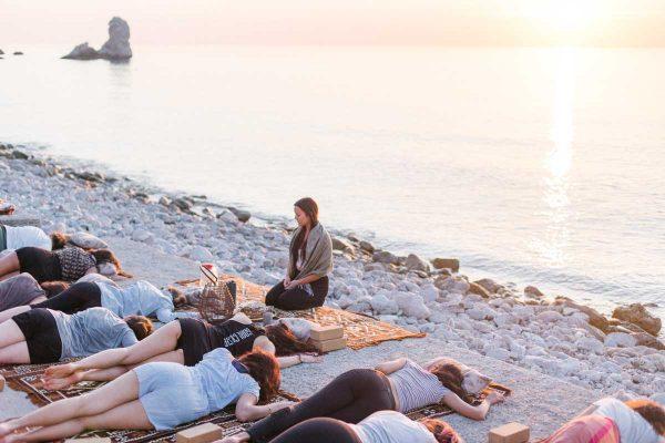 beach-yoga-retreat-sunset